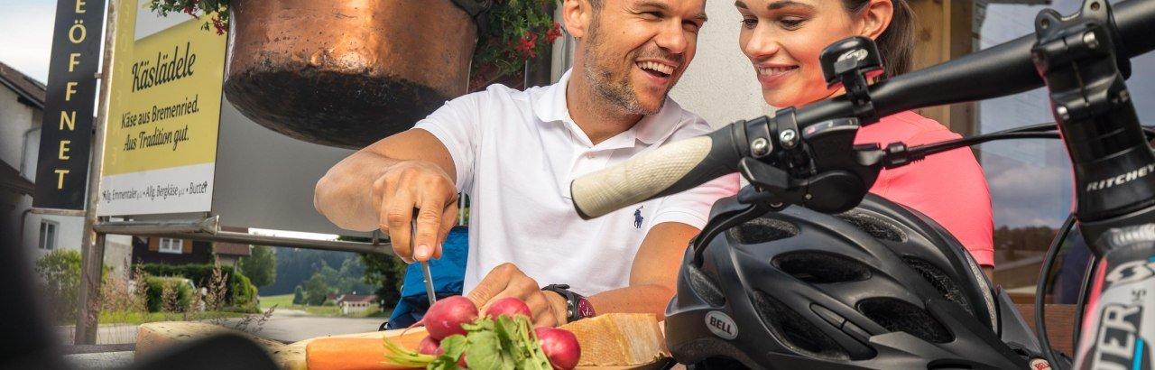 Pause auf der Radtour mit leckerem Allgäuer Käse