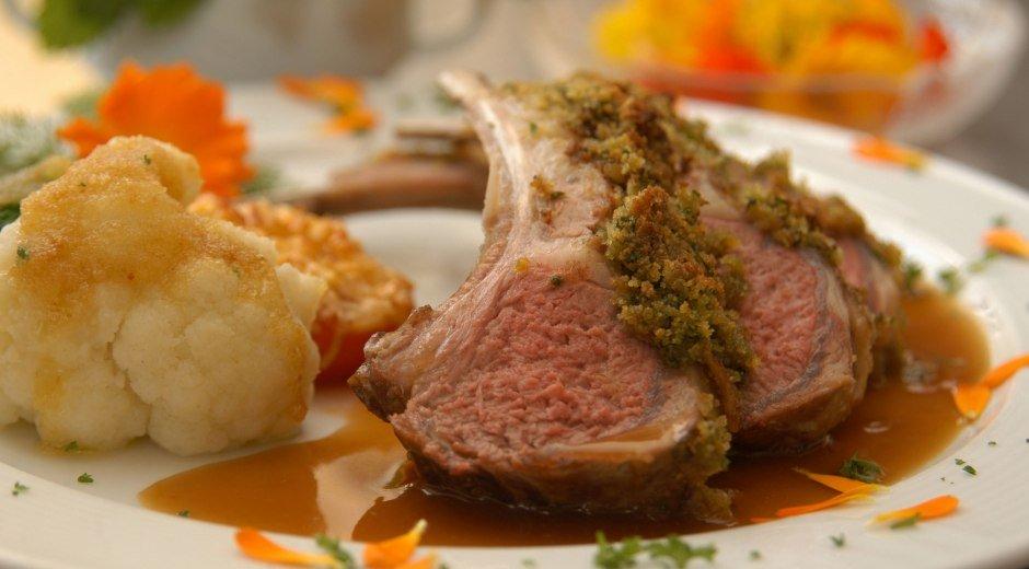 Genussregion Westallgäu kulinarische Spezialitäten Lamm mit Kartoffelpüree