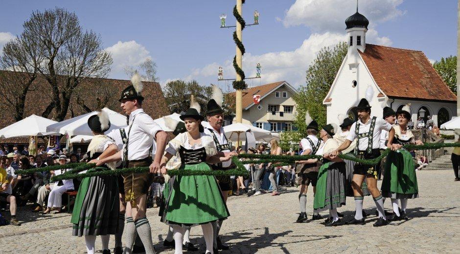Gemeinde Weiler-Simmerberg Brauchtum mit dem Trachtenverein