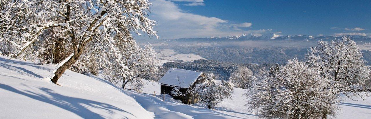 Winterlandschaft im Westallgäu mit Ausblick