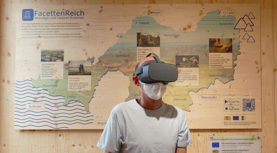 VR-Brille im Landkreis Pavillon auf der Gartenschau