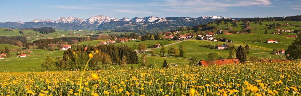 Zauber einer Landschaft mit sanft geschwungenen Hügeln und lieblichen Tälern - das Westallgäu!